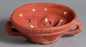 ETNO 924 Tacinha, cerâmica incrustada, séc. XVII, Convento de Sant